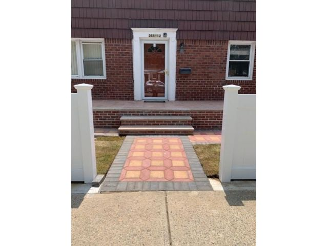 2 BR,  1.00 BTH Apartment style home in Garden City Park