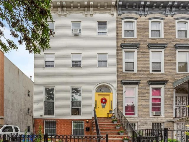 7 BR,  3.50 BTH Multi-family style home in Bedford Stuyvesant
