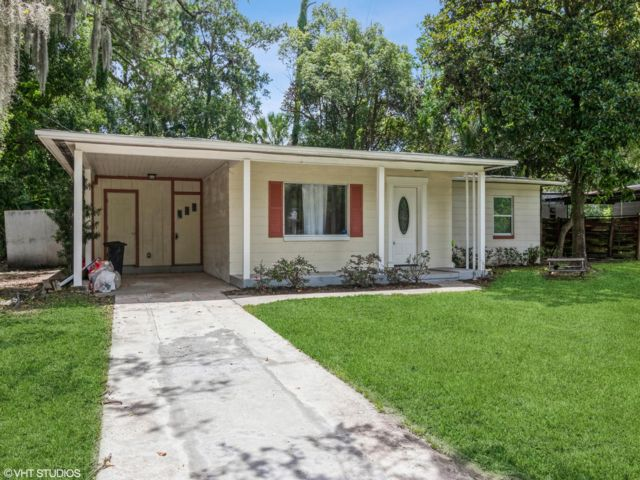 4 BR,  2.00 BTH  style home in Jacksonville