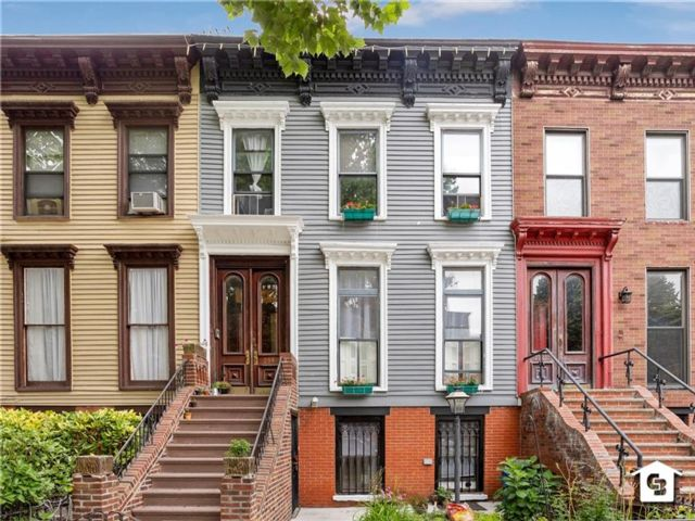 3 BR,  3.00 BTH Multi-family style home in Bedford Stuyvesant