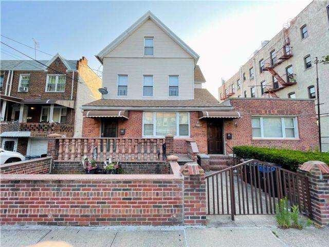 [Bensonhurst Real Estate, listing number 6996949]