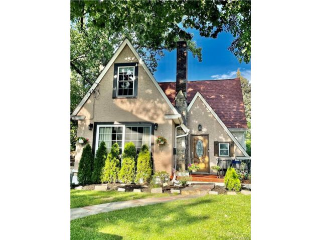 4 BR,  2.00 BTH Tudor style home in Yonkers