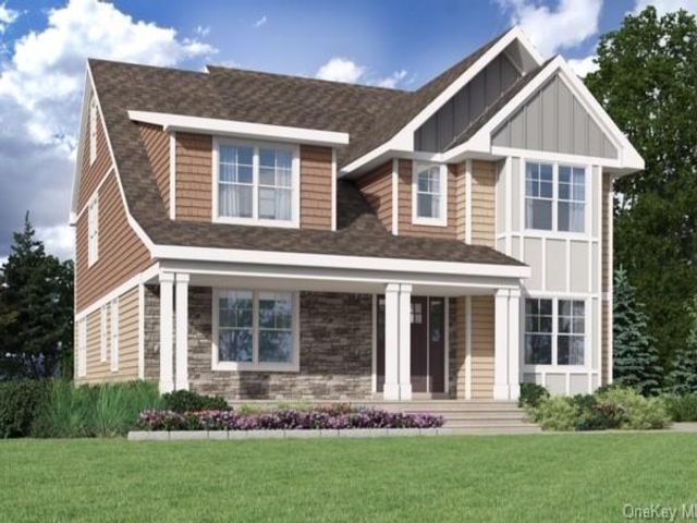 Lot <b>Size:</b>  Land style home in White Plains