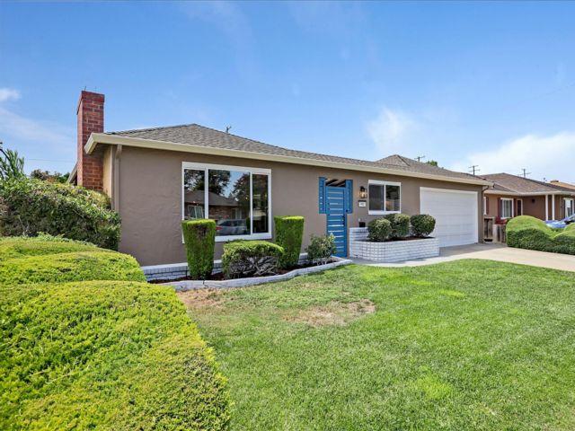 4 BR,  3.00 BTH Custom style home in Santa Clara
