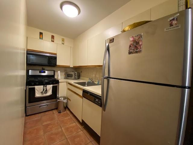 1 BR,  1.00 BTH  style home in Middle Village