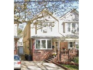 2 BR,  1.00 BTH Rental style home in Marine Park