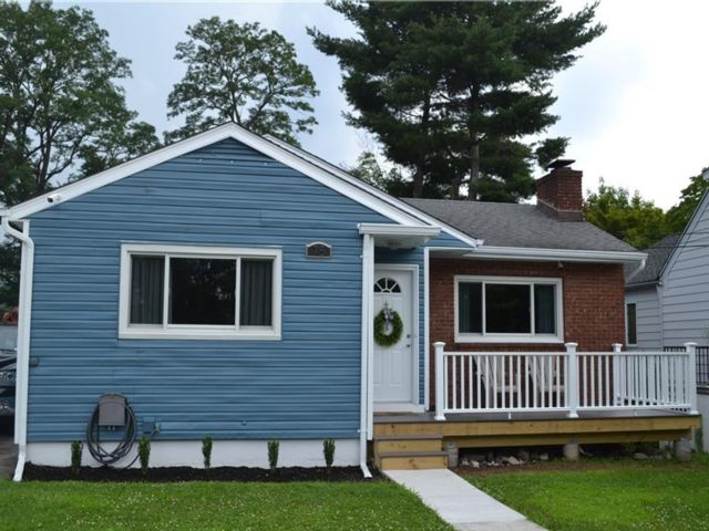 2 BR,  1.00 BTH Ranch style home in White Plains