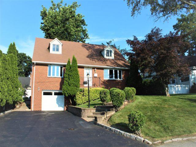 [Eastchester Real Estate, listing number 6997369]