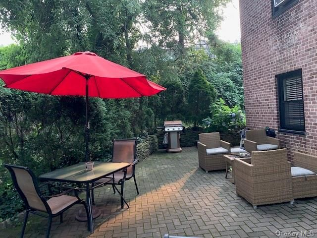 1 BR,  1.00 BTH Garden apartmen style home in Eastchester