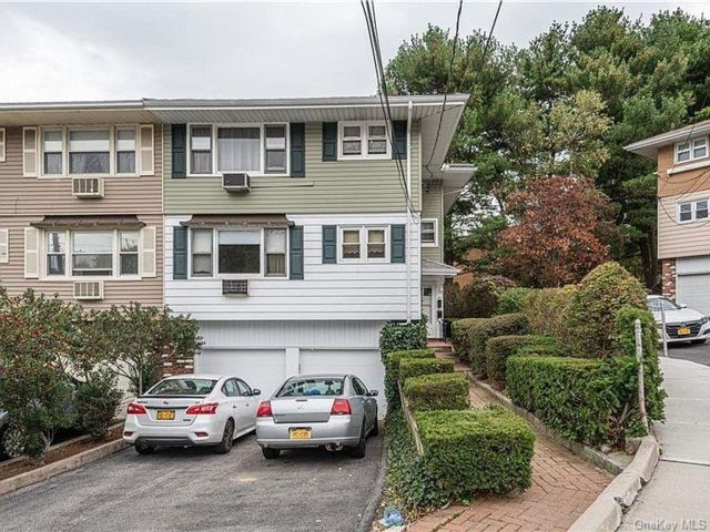 3 BR,  1.00 BTH Multi family style home in Yonkers