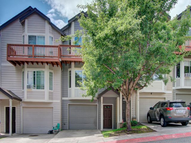 3 BR,  3.00 BTH Townhouse style home in Vancouver