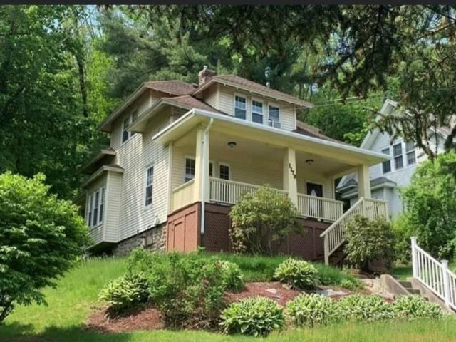 4 BR,  1.50 BTH Bungalow style home in Worcester