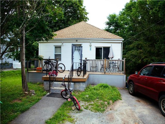 2 BR,  2.00 BTH House style home in Thompson