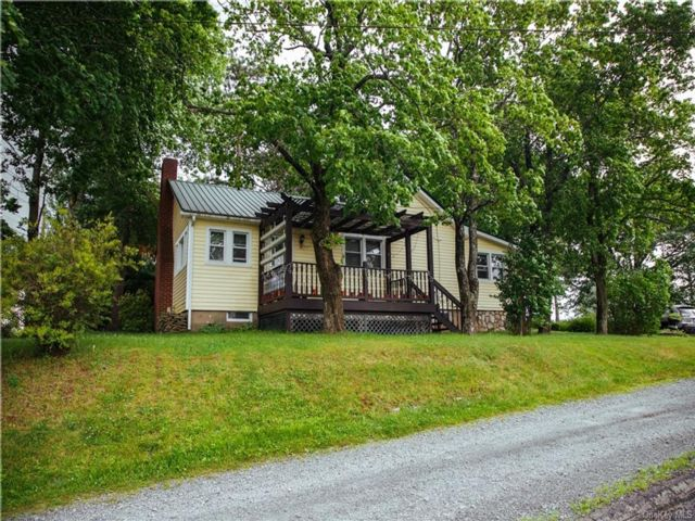 3 BR,  1.00 BTH Ranch style home in Thompson
