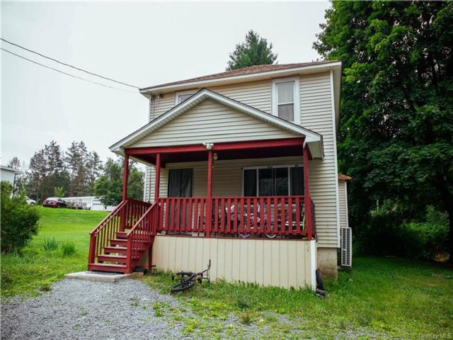 3 BR,  2.00 BTH House style home in Thompson