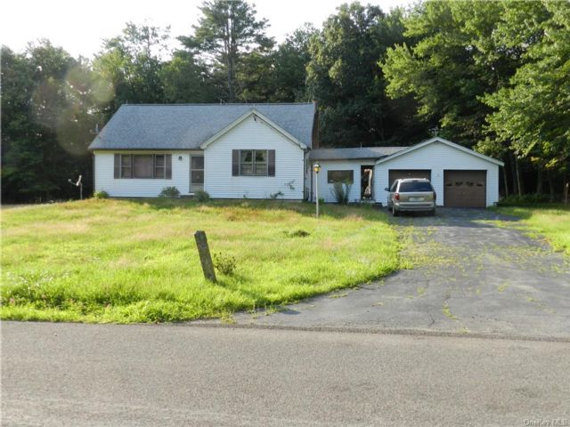 3 BR,  1.00 BTH Farmhouse style home in Wawarsing