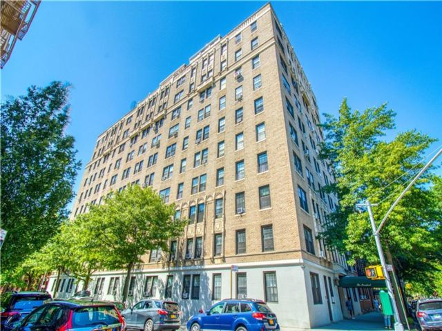 2 BR,  2.00 BTH Co-op style home in Park Slope