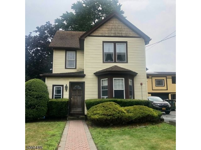 5 BR,  2.00 BTH Multi-family style home in Nutley