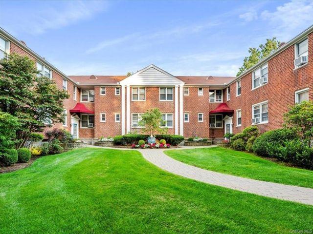 [White Plains Real Estate, listing number 6997798]