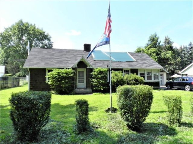 3 BR,  1.00 BTH Saltbox style home in Wawarsing