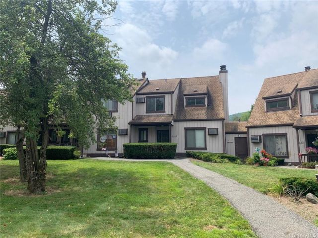 2 BR,  3.00 BTH Townhouse style home in Chester