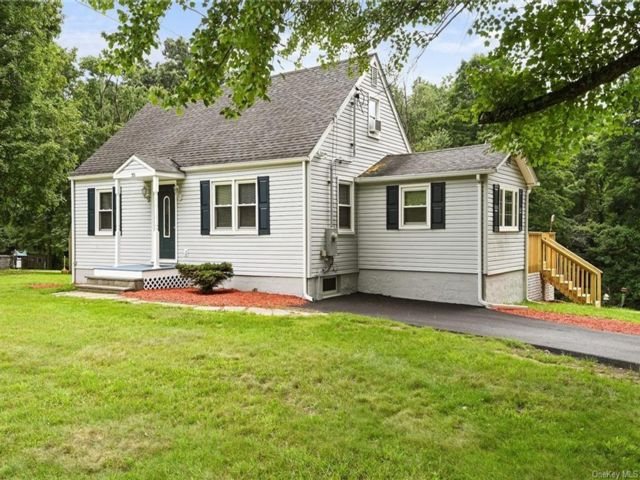 3 BR,  1.00 BTH Cape style home in Newburgh