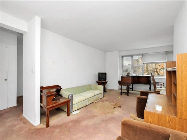 2 BR,  1.00 BTH Co-op style home in Coney Island