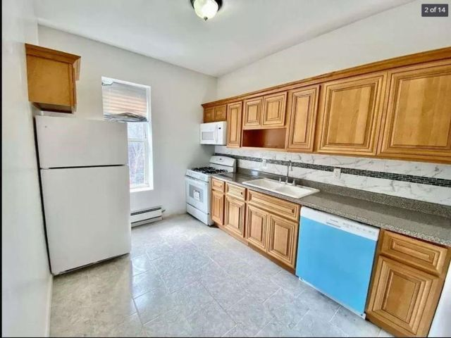 Studio,  0.00 BTH Multi-family style home in Crown Heights