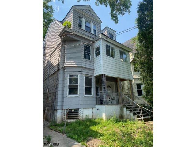 9 BR,  3.00 BTH Multi-family style home in Newark