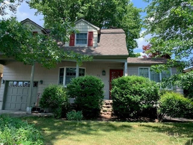 3 BR,  3.00 BTH Single family style home in Westerleigh