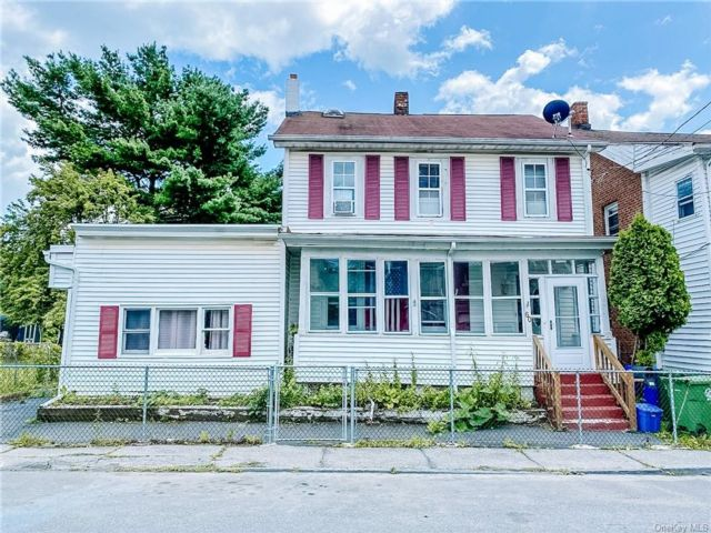 4 BR,  3.00 BTH 2 story style home in Middletown