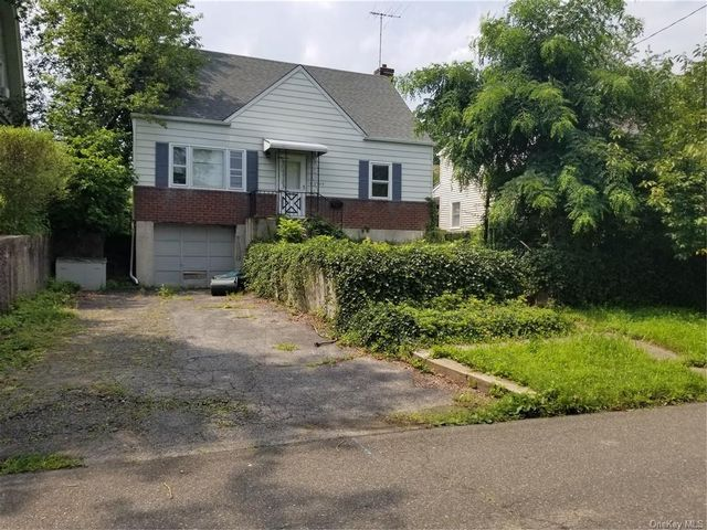 4 BR,  2.00 BTH Cape style home in Eastchester