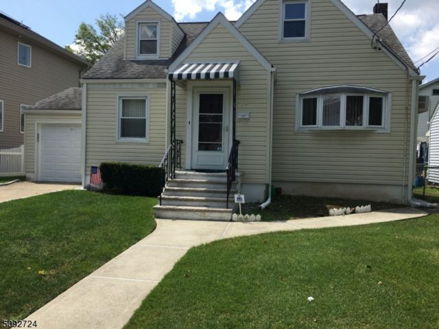 4 BR,  2.00 BTH Cape cod style home in Clifton