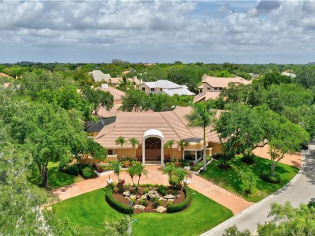 5 BR,  4.00 BTH  style home in Coral Springs