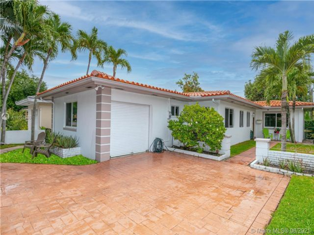 4 BR,  2.00 BTH  style home in Coral Gables