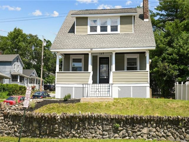 3 BR,  2.00 BTH Cape style home in Newburgh City