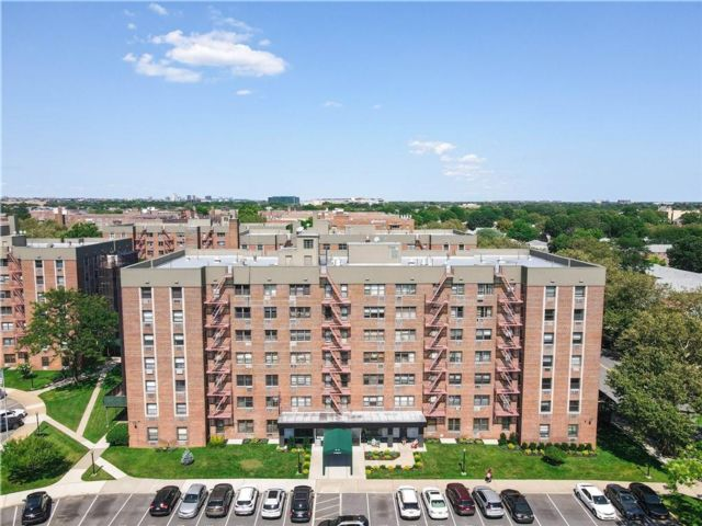 2 BR,  1.00 BTH Co-op style home in Howard Beach
