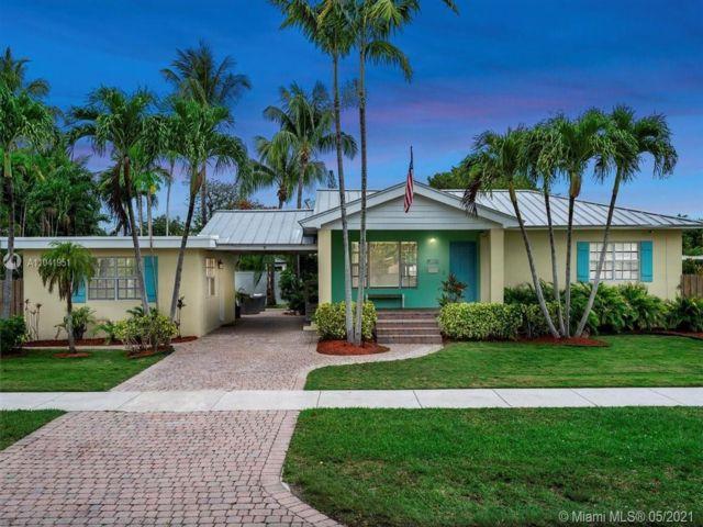 3 BR,  2.00 BTH  style home in Miami