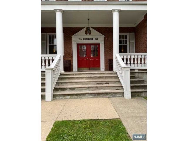 1 BR,  1.00 BTH Condo style home in Rutherford