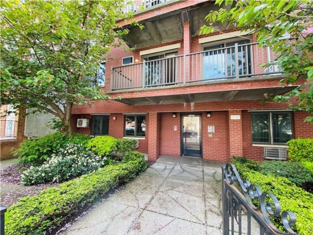 1 BR,  2.00 BTH Condominium style home in Dyker Heights
