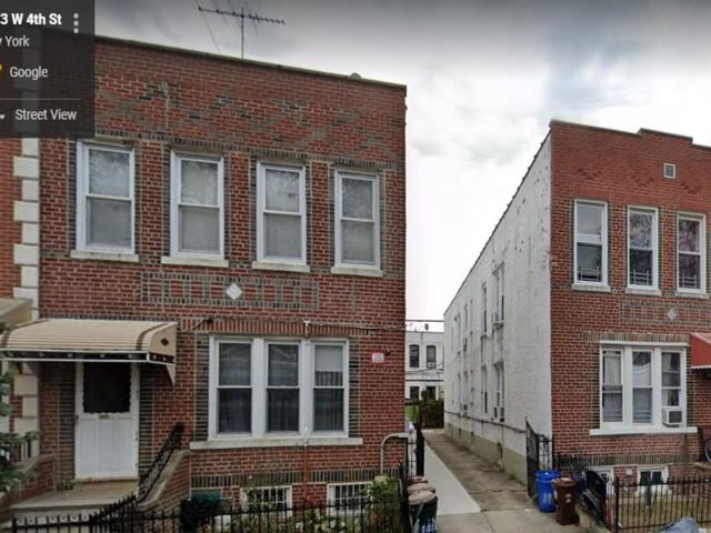 8 BR,  4.00 BTH Multi-family style home in Gravesend