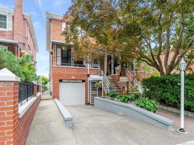 [Esplanade Real Estate, listing number 6999422]