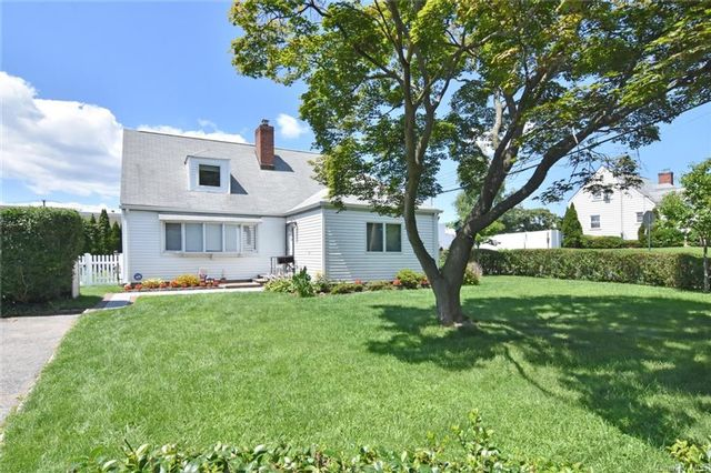 3 BR,  2.00 BTH Cape style home in Eastchester