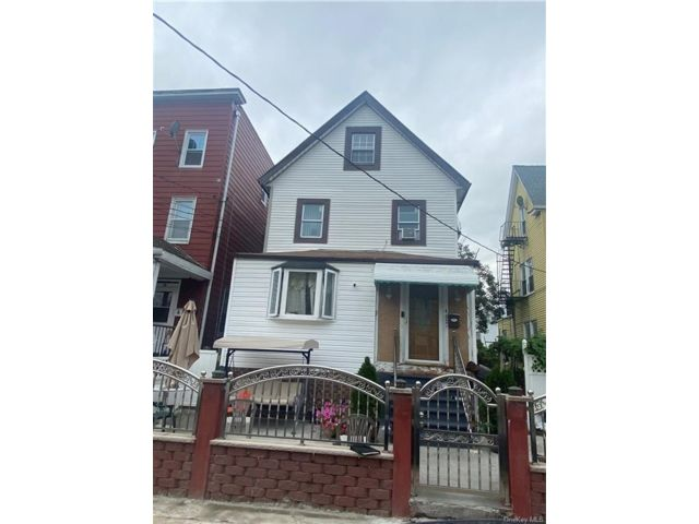 7 BR,  3.00 BTH Other style home in Mount Vernon