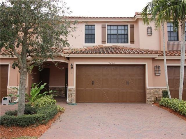 3 BR,  2.50 BTH Townhouse style home in Parkland