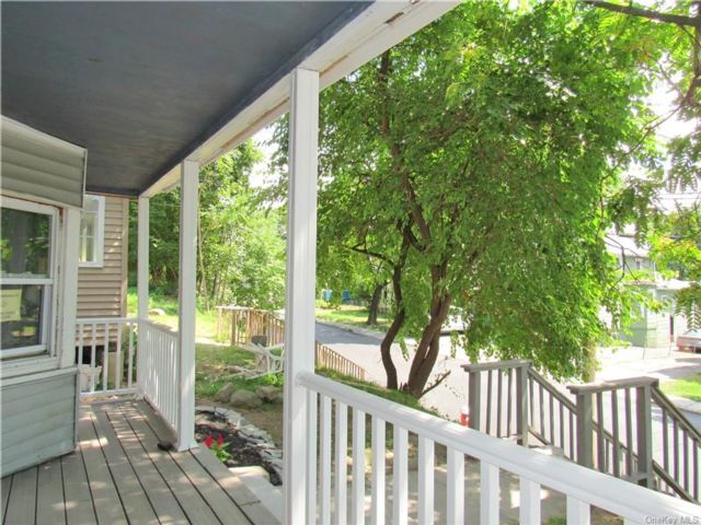 4 BR,  2.00 BTH Trilevel style home in Middletown