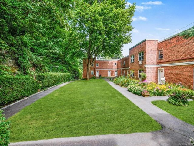 1 BR,  1.00 BTH Garden apartmen style home in Greenburgh