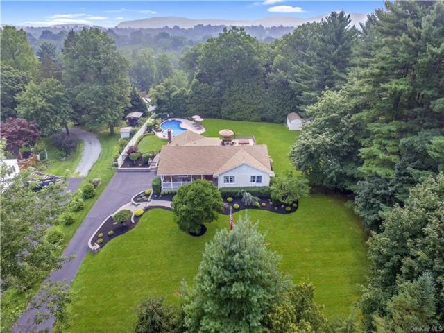 4 BR,  3.00 BTH Ranch style home in Clarkstown