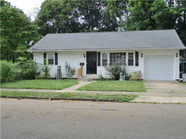 2 BR,  1.00 BTH Ranch style home in Port Jervis