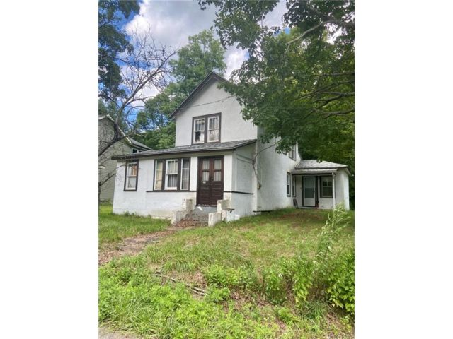 4 BR,  2.00 BTH 2 story style home in Fallsburg